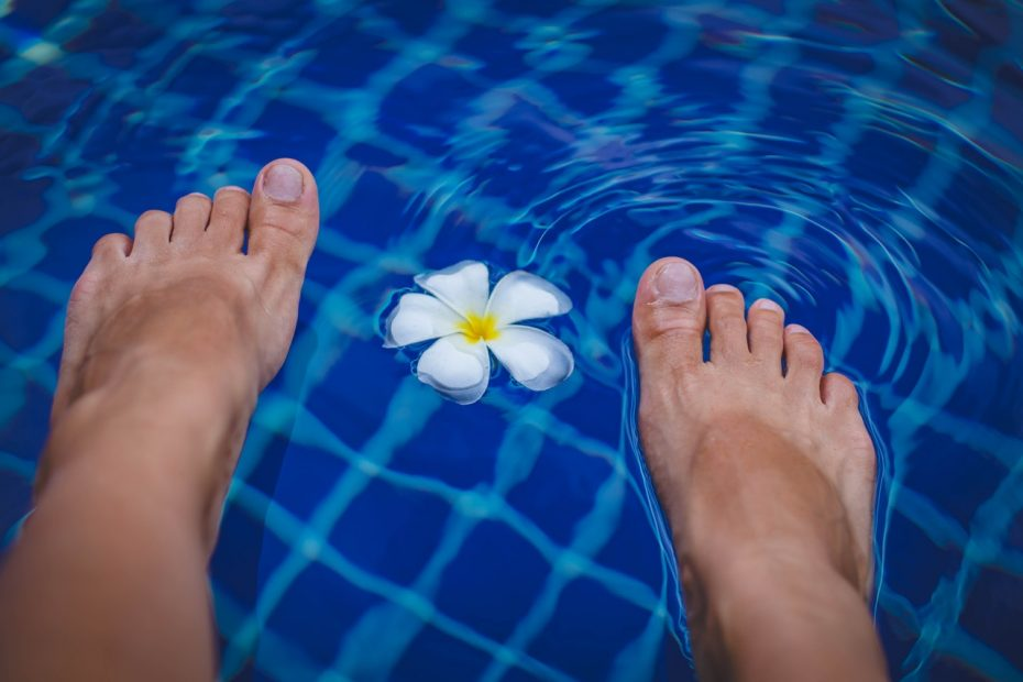 bare feet to illustrate story on managing diabetic neuropathy